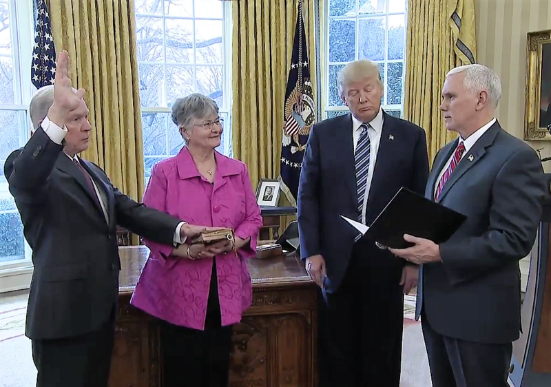 Jeff_Sessions_swearing_in_01.png