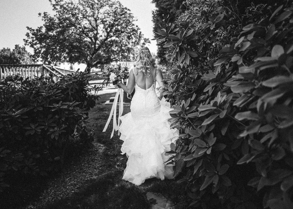 Abbotsford Single Tree Winery Wedding-21.jpg