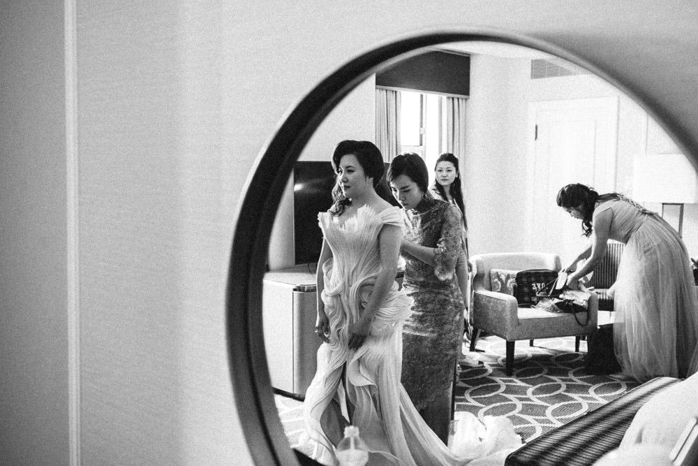 Fairmont Hotel Vancouver Wedding-39.jpg