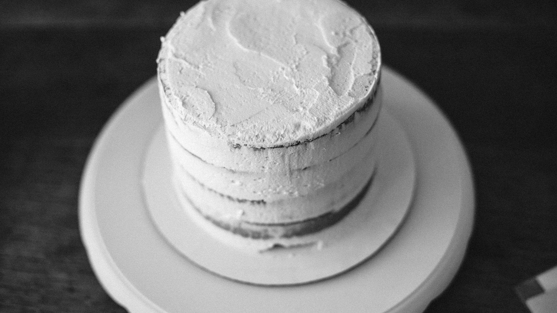 VanillaAndHoneyBee Cake WeddingVendorBTS-1.jpg