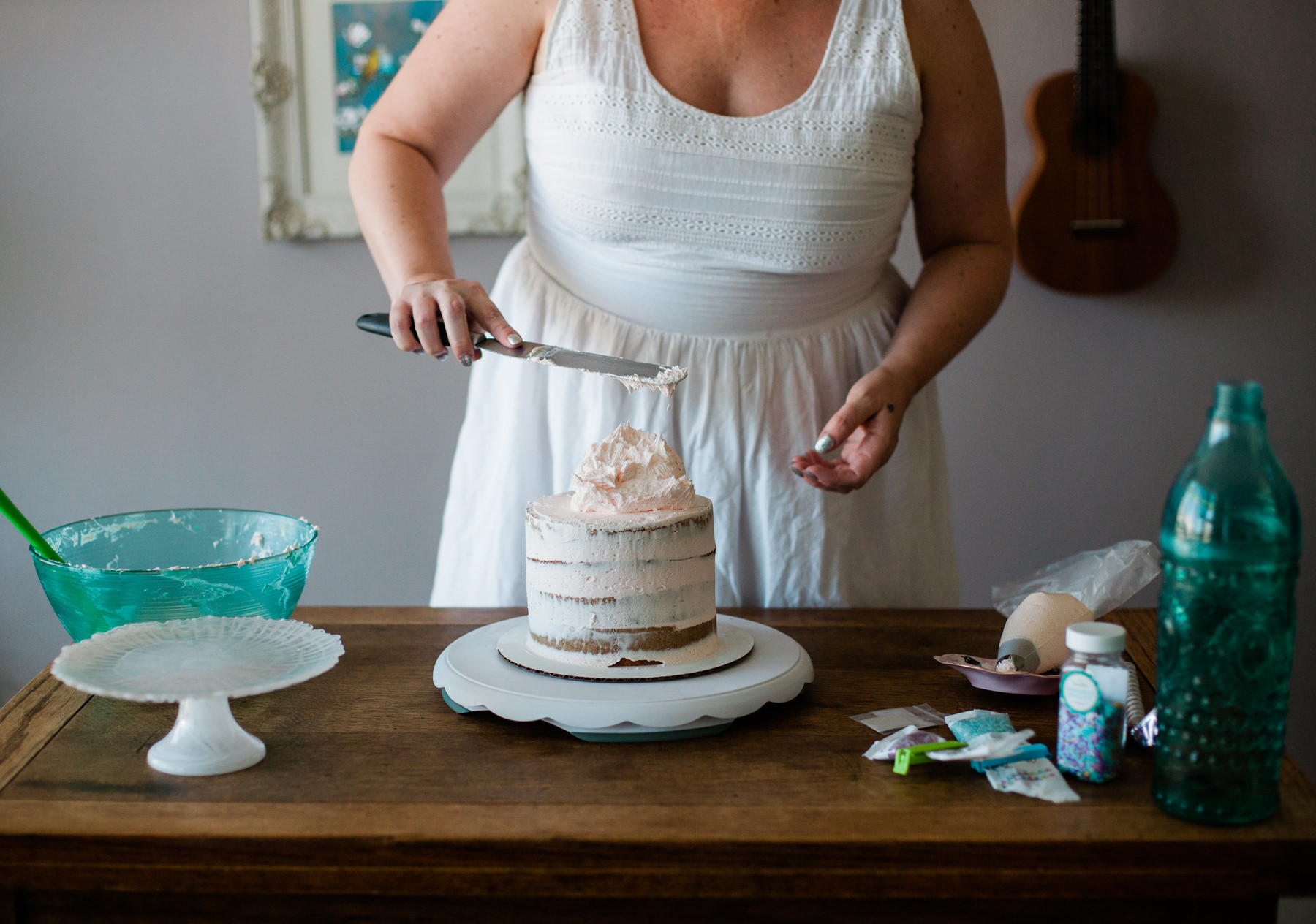 VanillaAndHoneyBee Cake WeddingVendorBTS-2.jpg