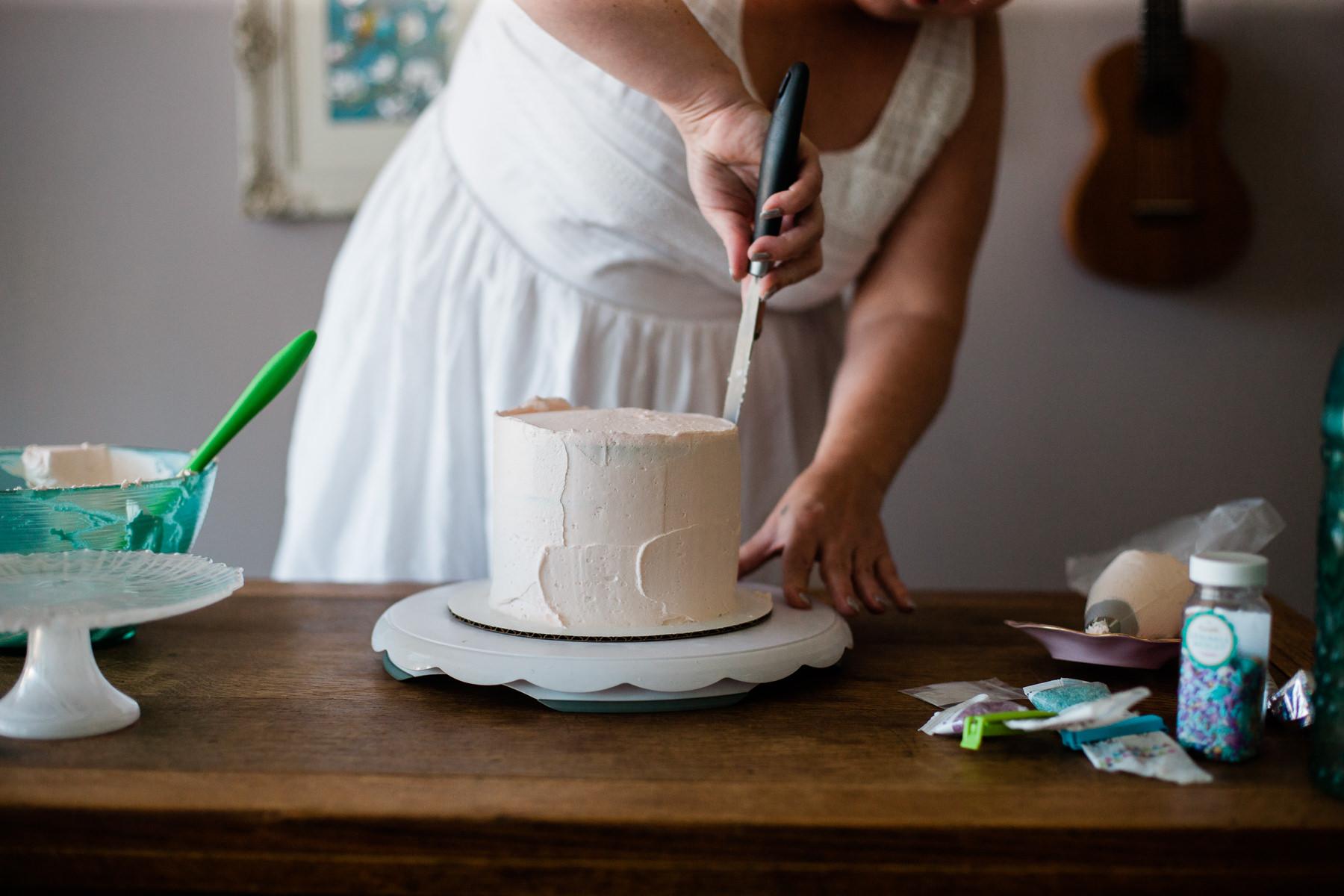 VanillaAndHoneyBee Cake WeddingVendorBTS-10.jpg