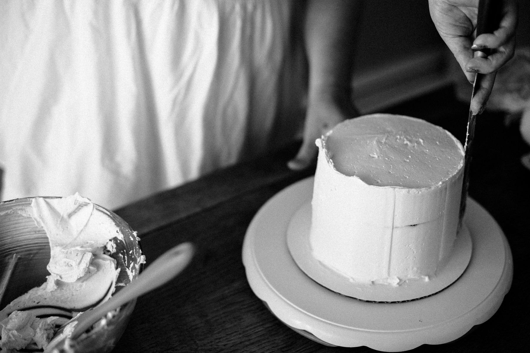 VanillaAndHoneyBee Cake WeddingVendorBTS-11.jpg