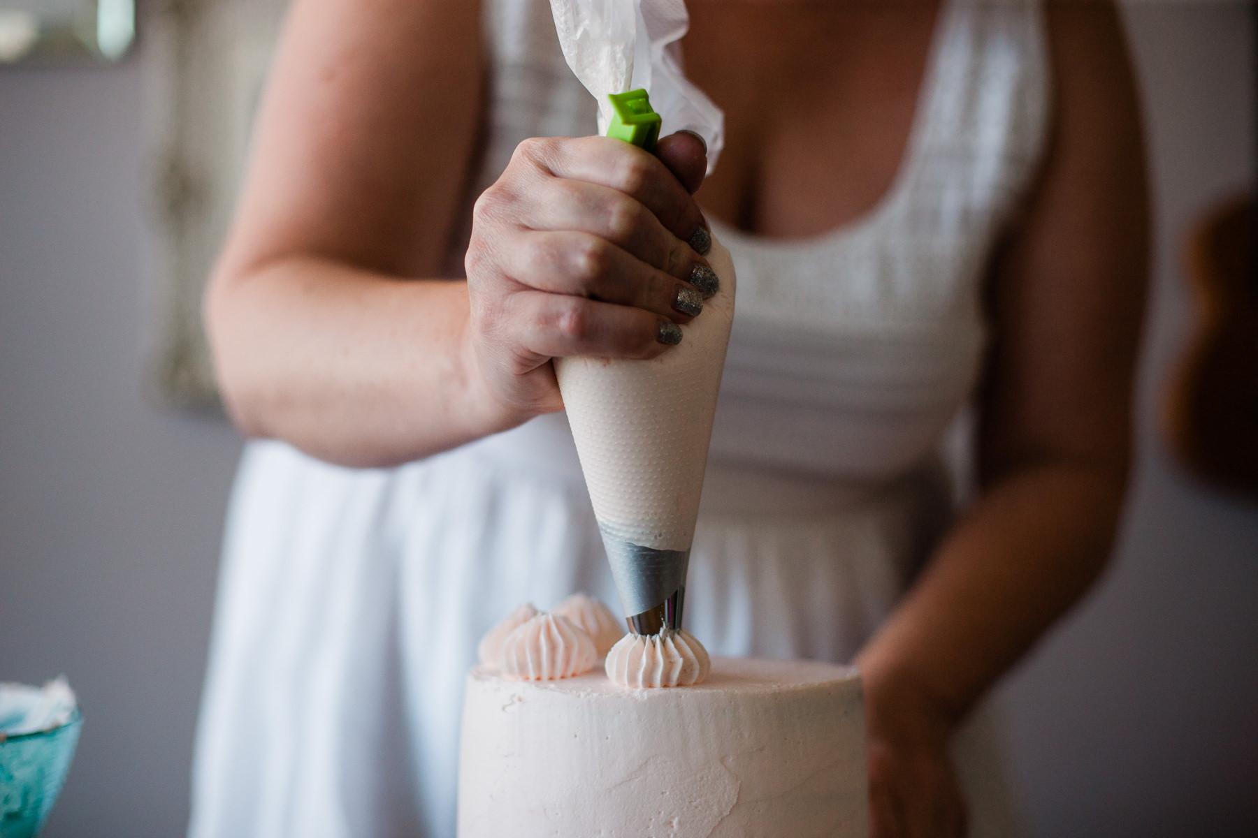 VanillaAndHoneyBee Cake WeddingVendorBTS-15.jpg