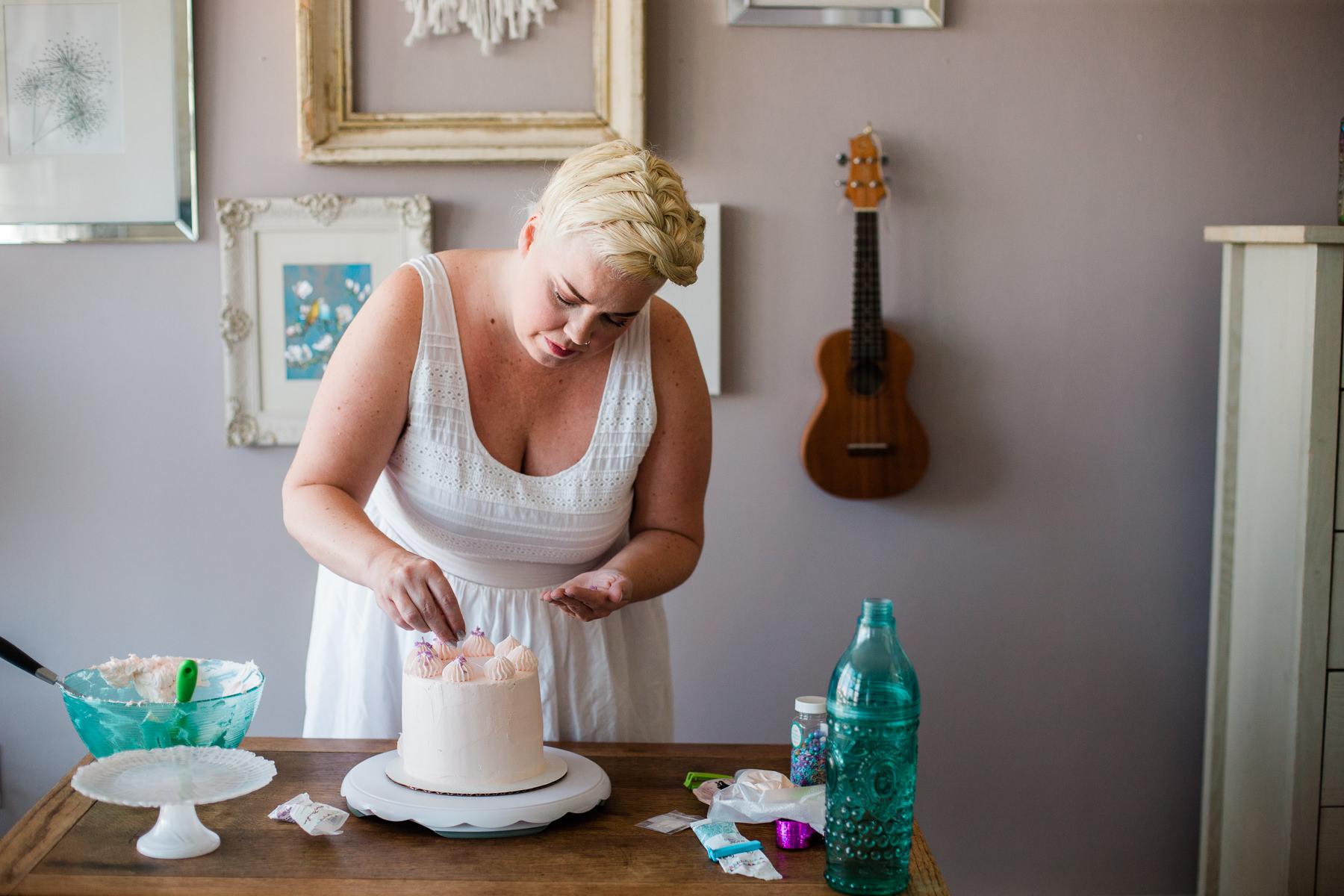VanillaAndHoneyBee Cake WeddingVendorBTS-20.jpg