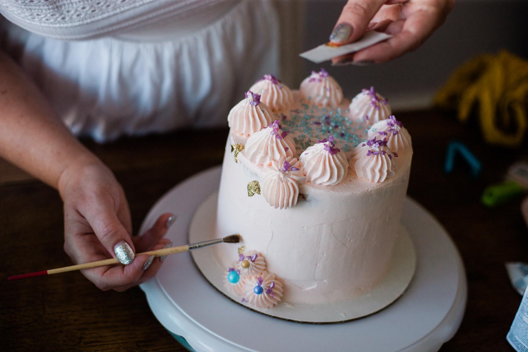 VanillaAndHoneyBee Cake WeddingVendorBTS-25.jpg