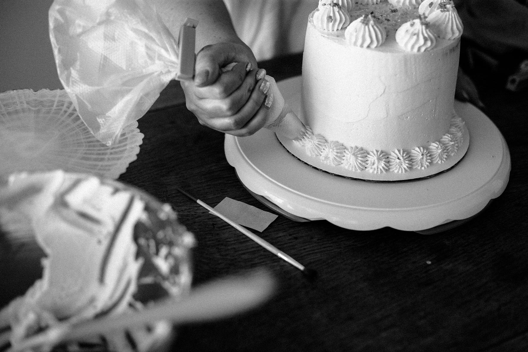 VanillaAndHoneyBee Cake WeddingVendorBTS-28.jpg