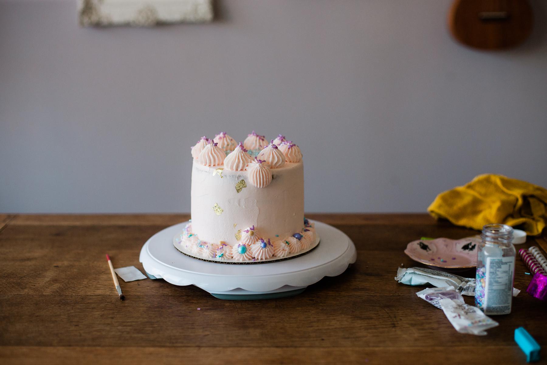 VanillaAndHoneyBee Cake WeddingVendorBTS-30.jpg