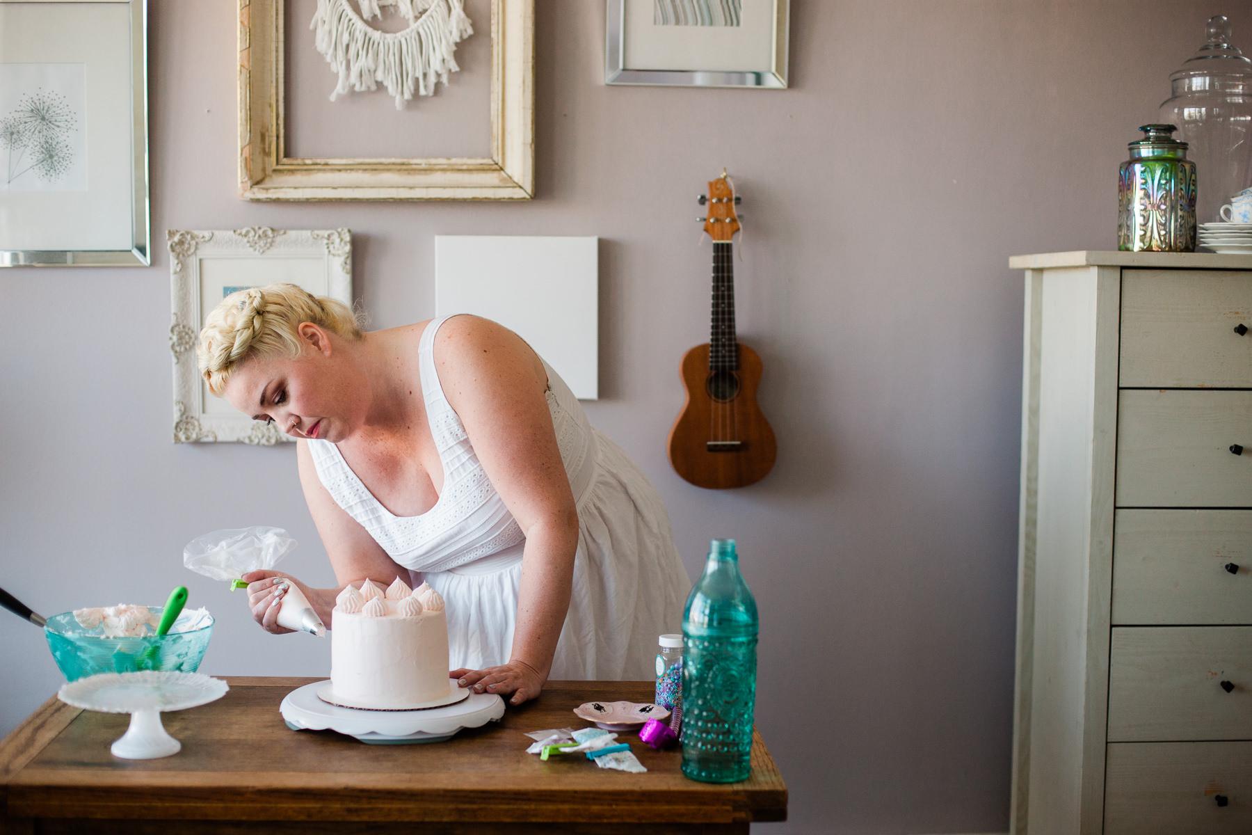 VanillaAndHoneyBee Cake WeddingVendorBTS-16.jpg