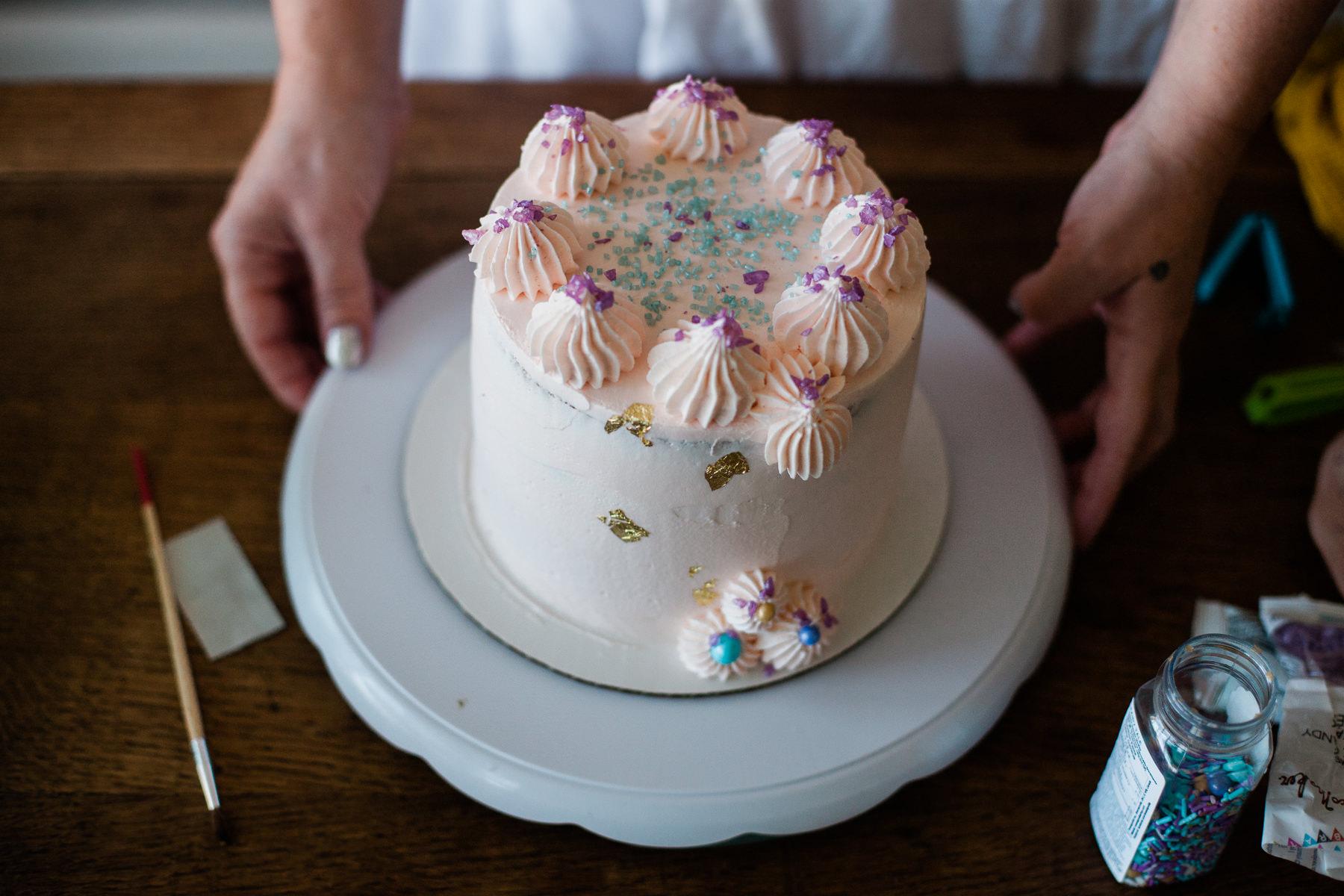 VanillaAndHoneyBee Cake WeddingVendorBTS-26.jpg