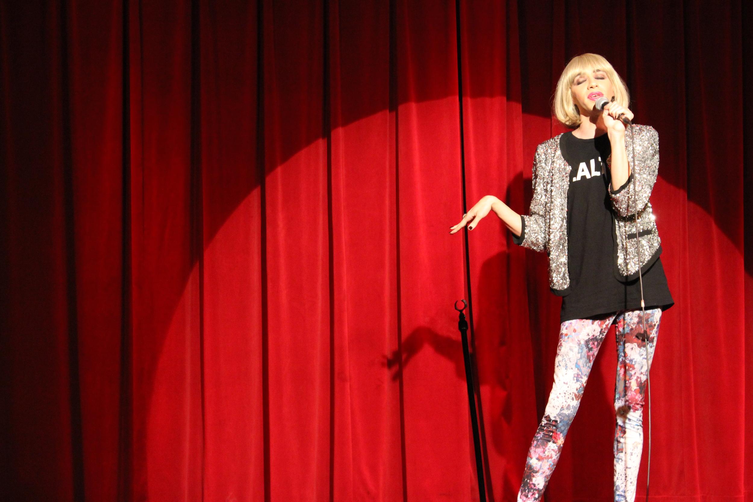 Tranna Wintour brings her comedy act to the Gender Blender stage.  September 20, Café L'Artère, Montréal