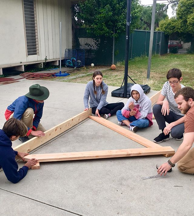 "When multiple generations of our TMS community gather to build- it is a sight to be celebrated. Biggest thanks to Brooklyn McVay our resident alumni carpenter (class of 2006) who has been ""pivotal"" for our trebuchet project! Student 📸: @nevadacoy . . . #tms #knowledgenaturally #middleschoolstem #trebuchet #alted #alternativeeducation #woodlandhills #topanga #buildwithwood"