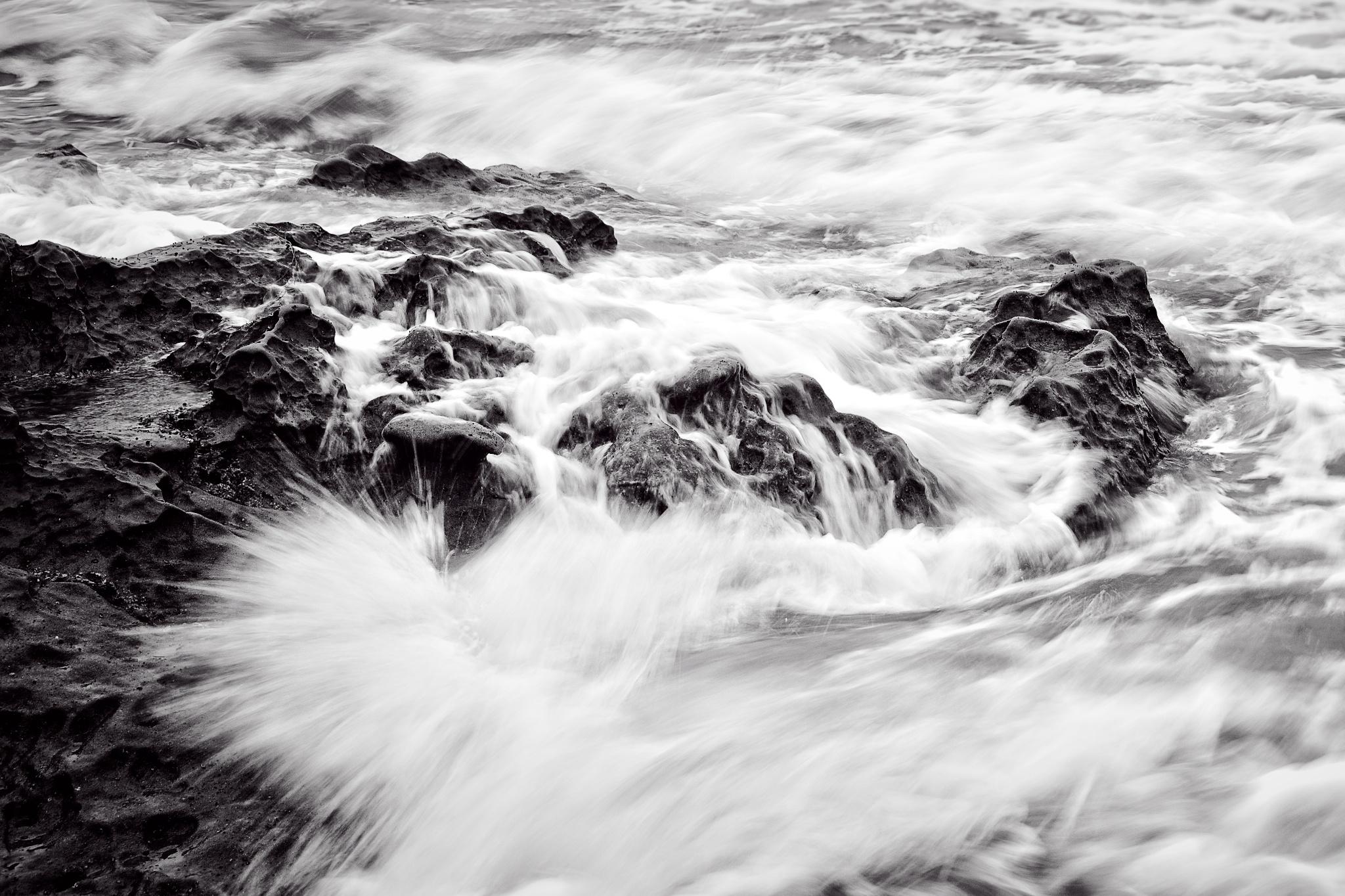 Waves Crash / San Diego, CA