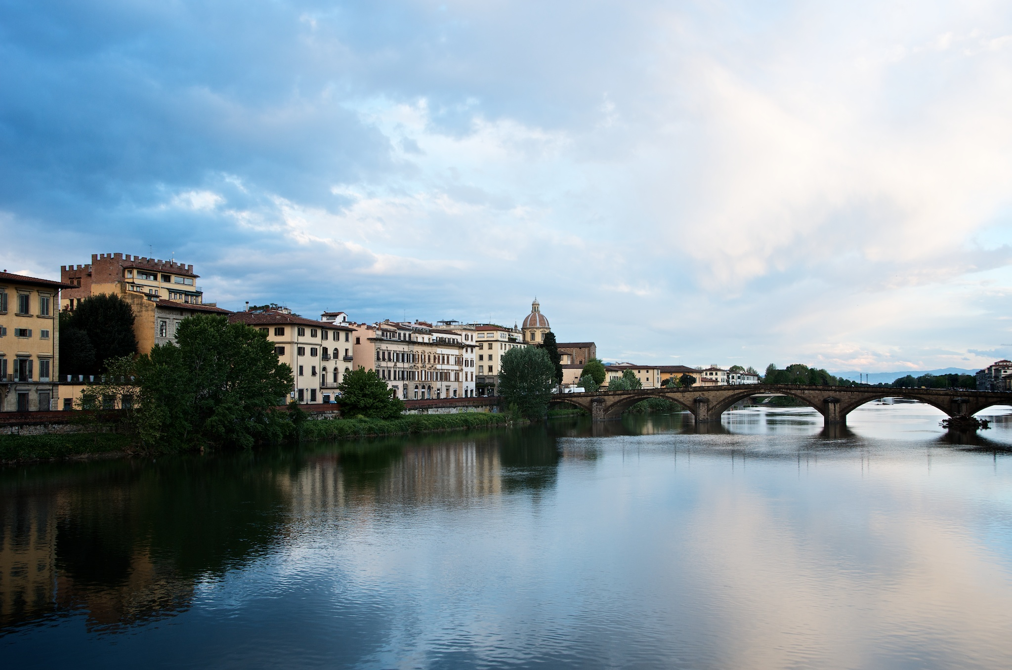 My last sunrise in Florence. This shot is actually quite nice, pleasing, peaceful. Lacking foreground, however.