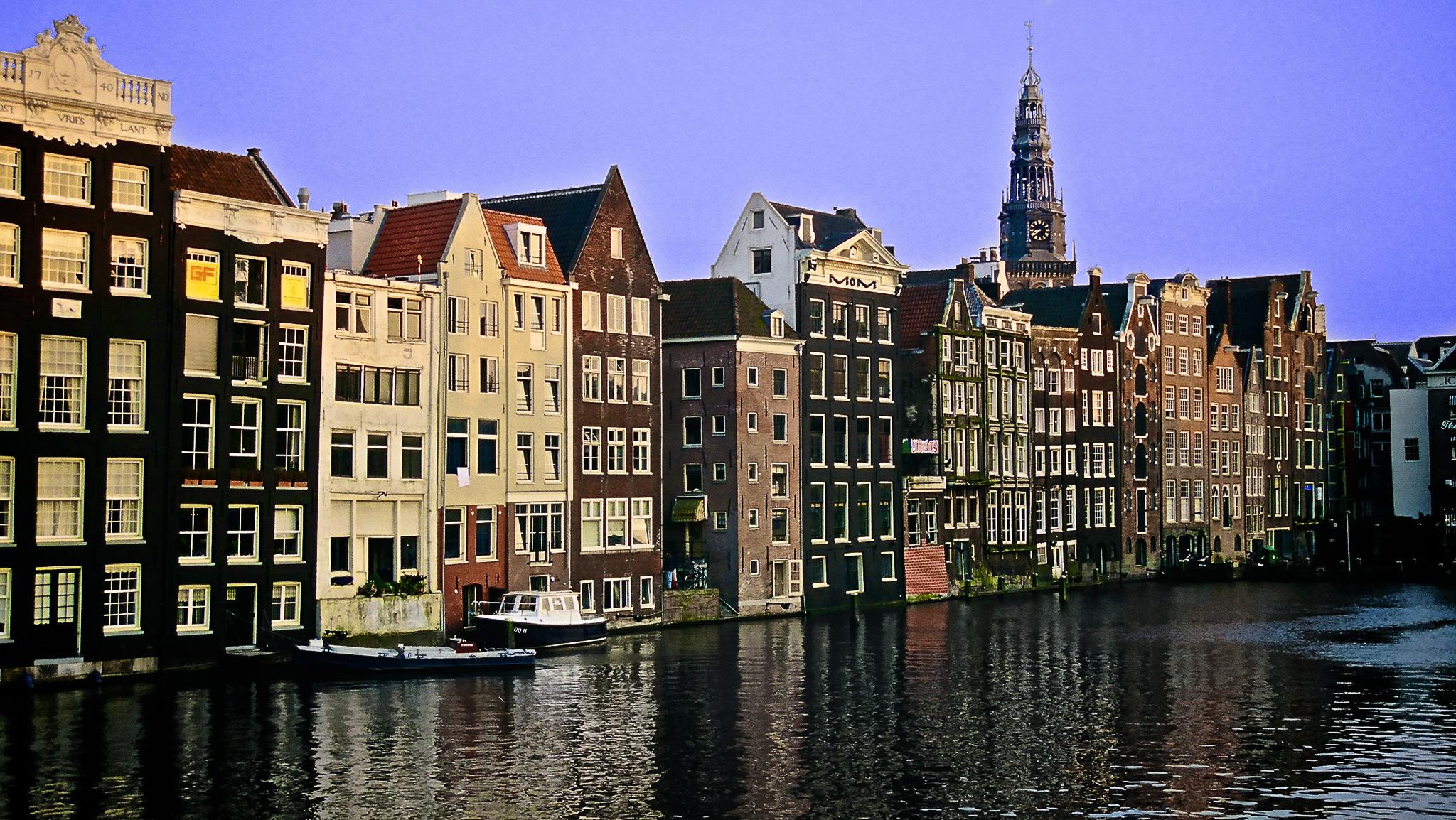 Rowhosues, Amsterdam
