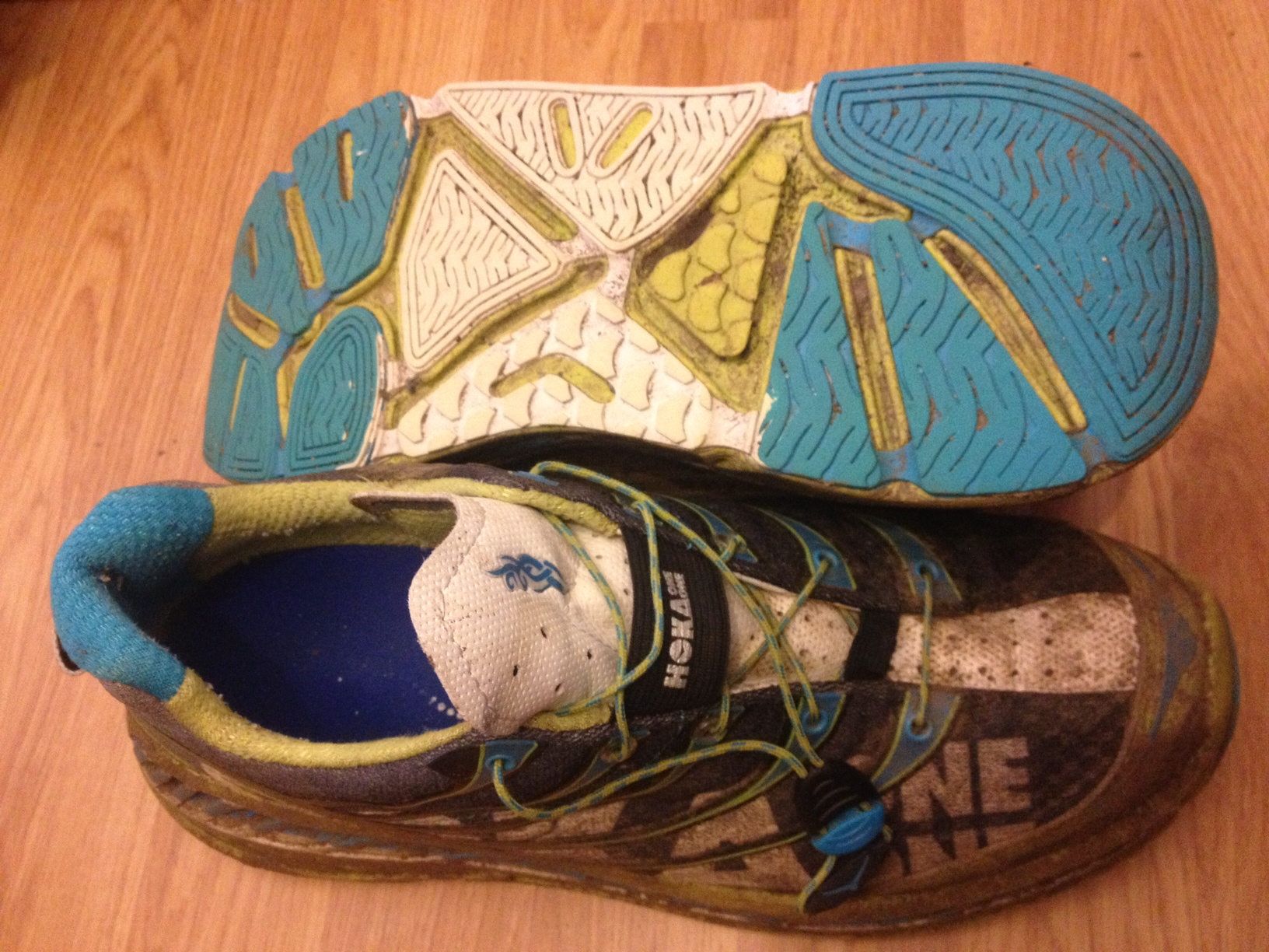 Hokas with about 100mile plus on them, yes they need a clean...