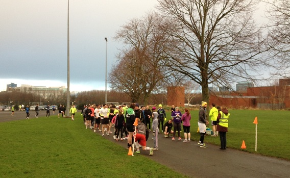 Ormeau parkrun, volunteers arrive 20-30 mins before start, with runners converging only minutes before start