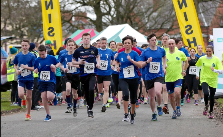 The start of the first ever JogBelfast 5K in 2016. Pacers in yellow, come bring your blue t-shirt