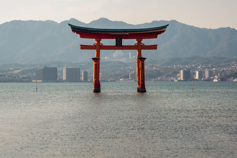 Il famoso Torii sommerso di Miyajima