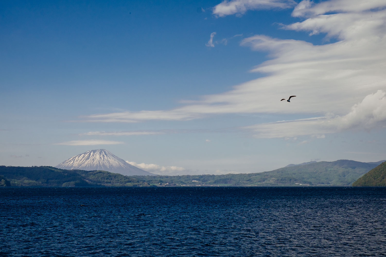 Il Mt. Yotei visto dal lago Toya