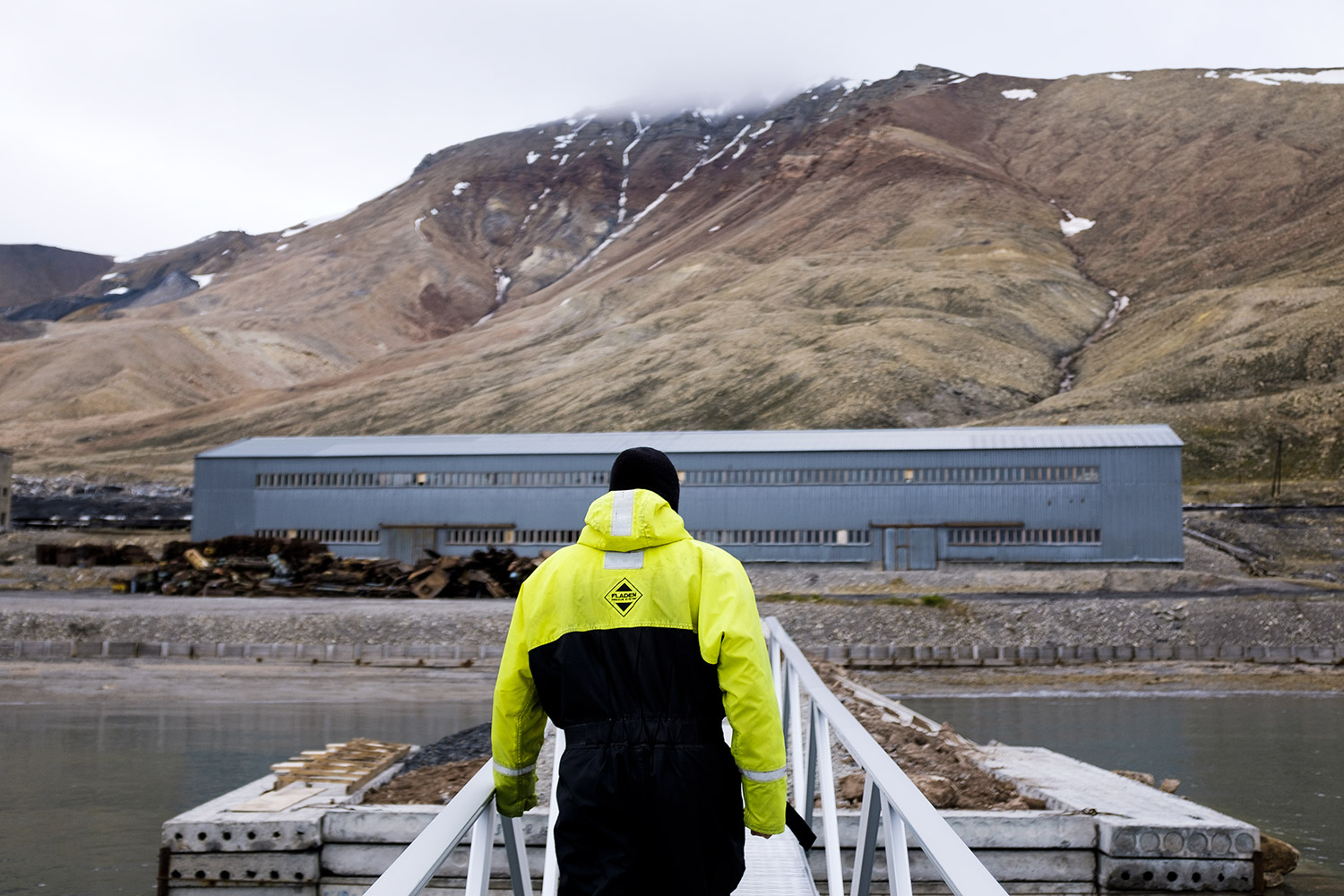Our arrival in Pyramiden