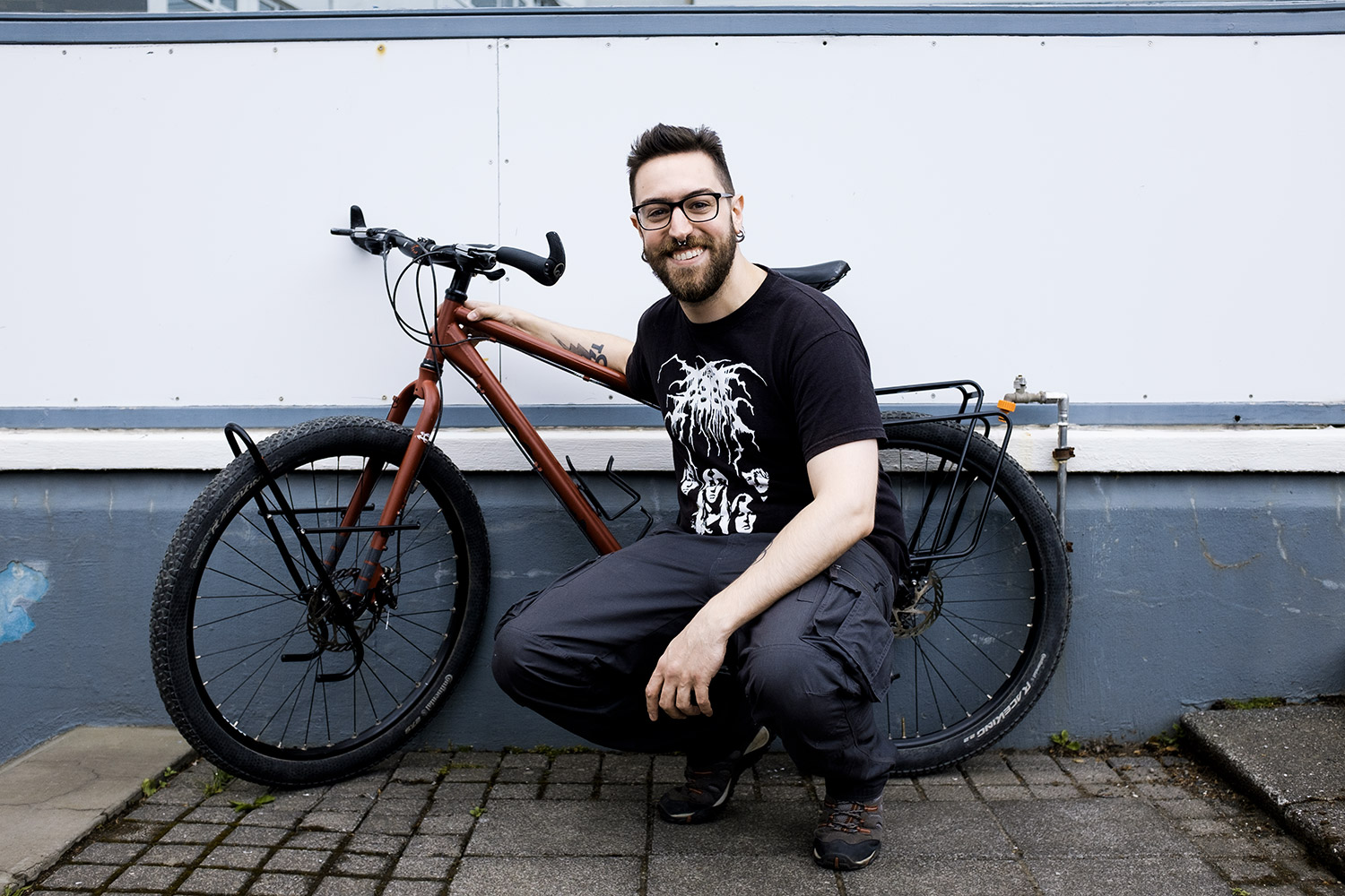 A happy Lorro with his Hobootleg Geo ready to hit the road!