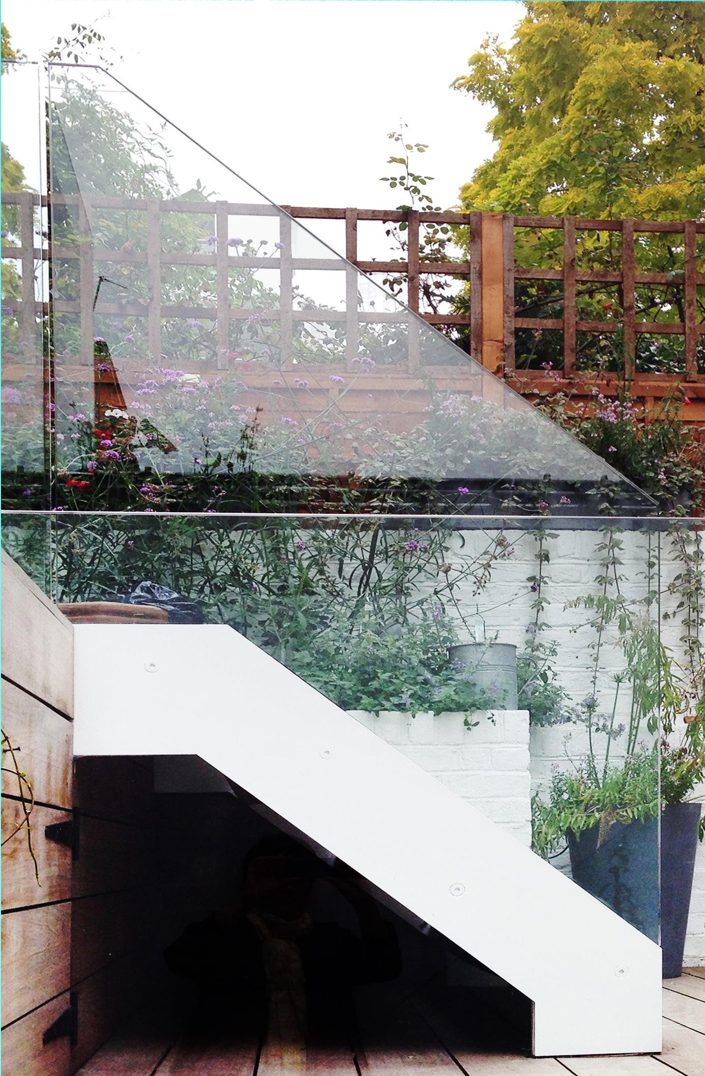glass balustrading_2.jpg