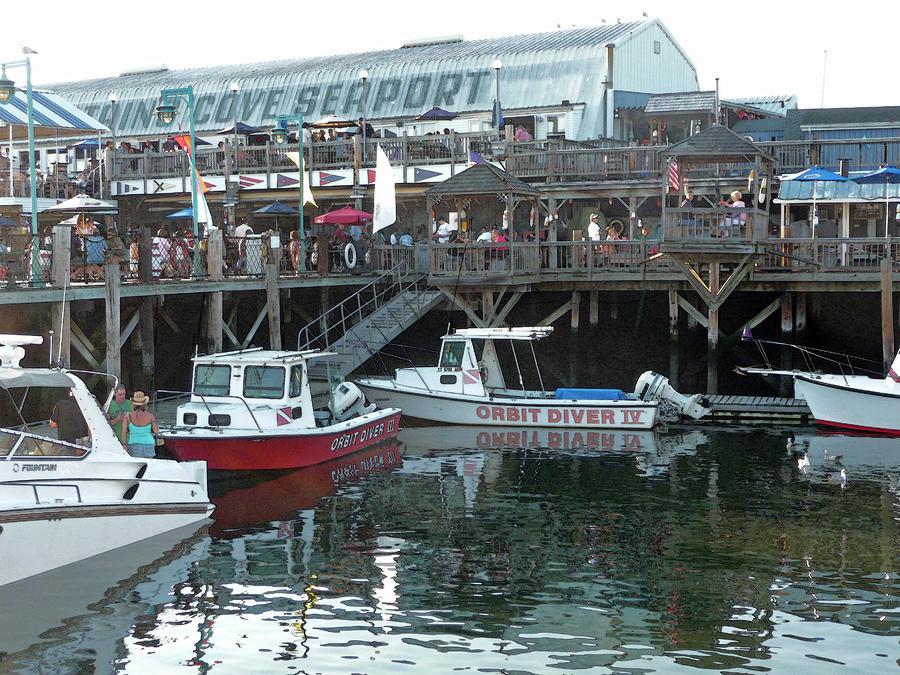 Captains Cove Seaport - Black Rock Harbor