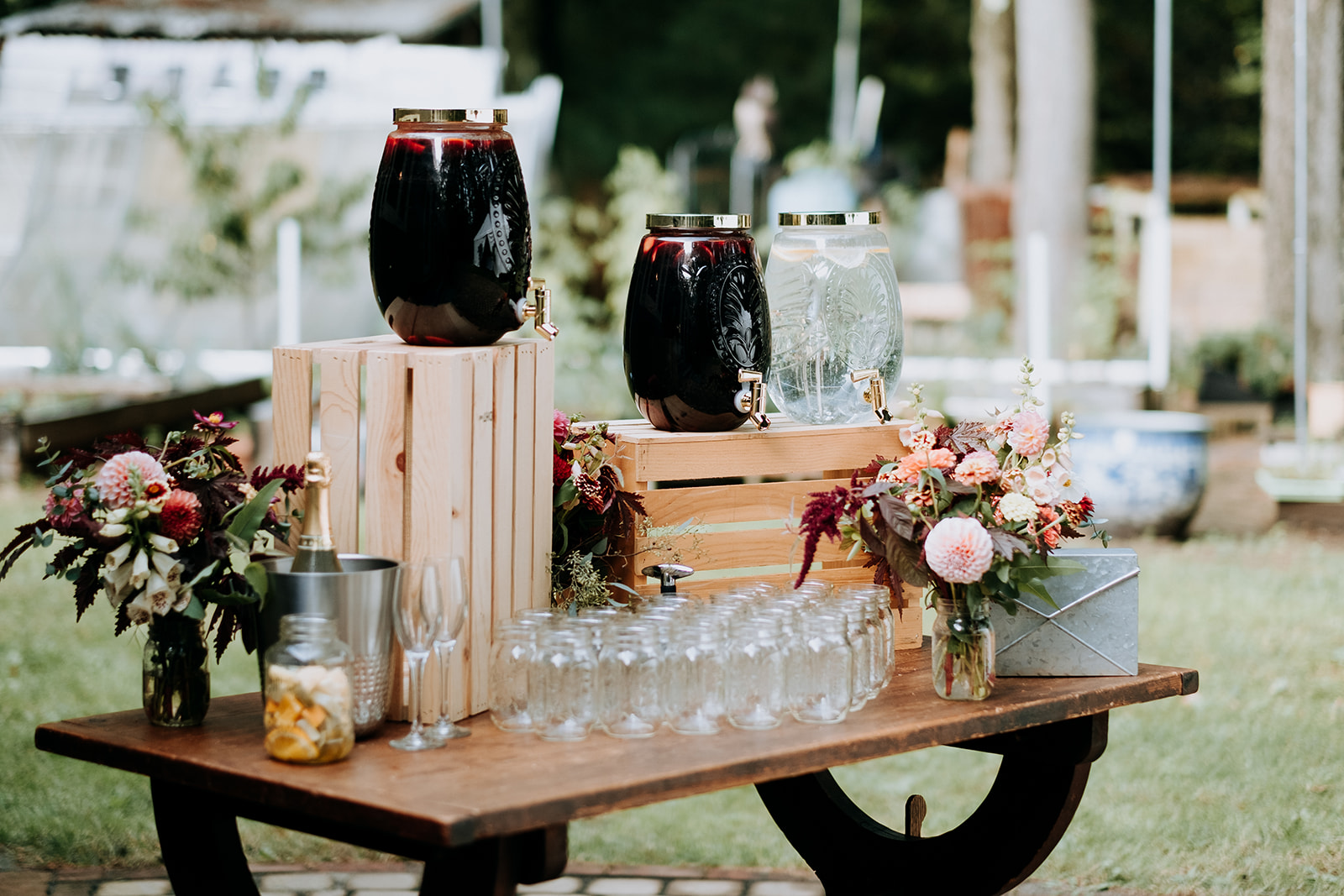 Wedding_Francis_Boucher_Gabby_Joel_Backyard_wedding_2018-155.jpg