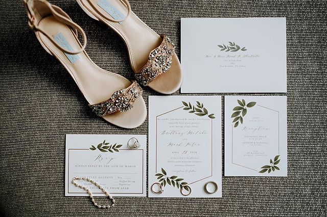 Same but different. A couple details from B+M wedding. #groomdeets