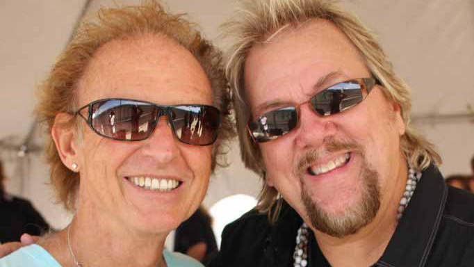 Gary Wright and David Pack candid Great shot 9 7 14 backstage by Joann Geffen.jpg