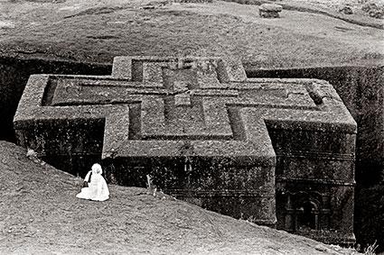 Prayer, Church of St George, Lalibela-Ethiopia (EA-01).jpg