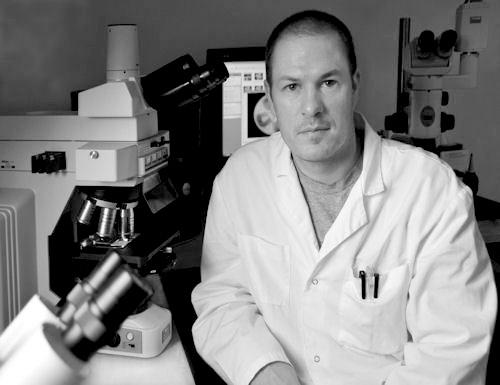 Dr.phil.nat. Christopher Jackson   Cell biologist & CEO
