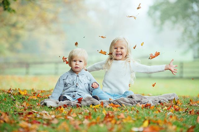 Hurray! It's fall family mini session time! Mark your calendars for Sunday October 20th at Kew Gardens in the Beaches.  There's limited spots and they go quick.  Comment below or message us for more info if you're interested!