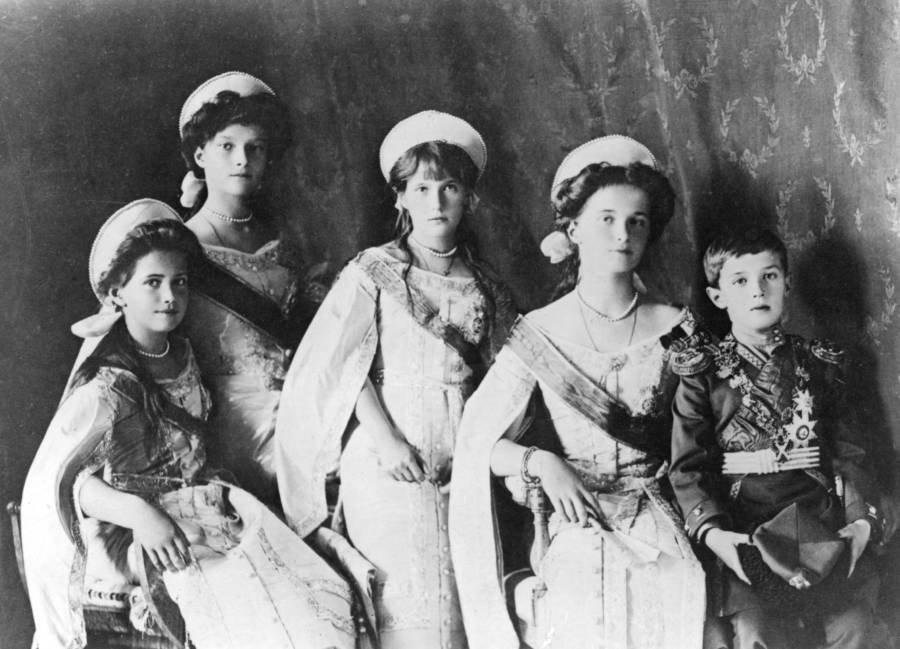 romanov-grand-duchesses.jpg