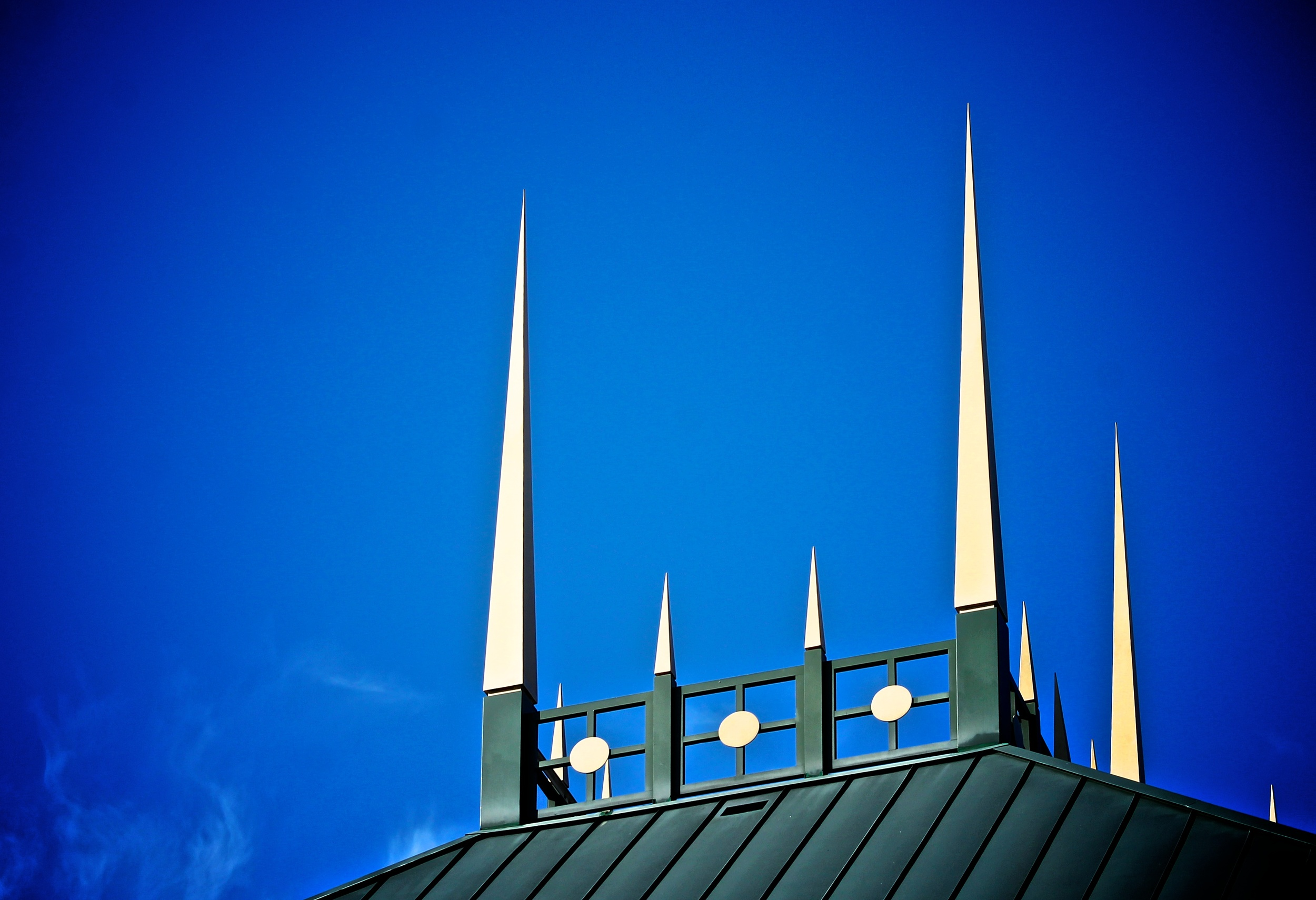 Roofline of the Naples Philharmonic Center for the Arts (now Artis Naples). Photo by Beights LLC.