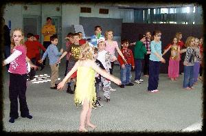 Divaria teaching a fun class @ East Marden Primary school