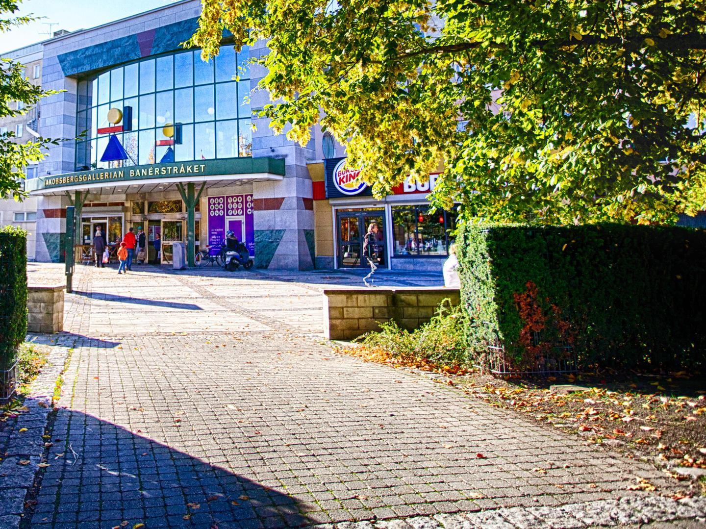 jakobsbergs-entrance3.jpg
