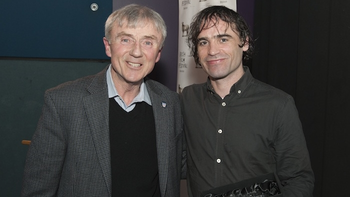Alderman Jack Connelly presents the Audience Choice Award to Actor Dara Devaney for AN BRONNTANAS