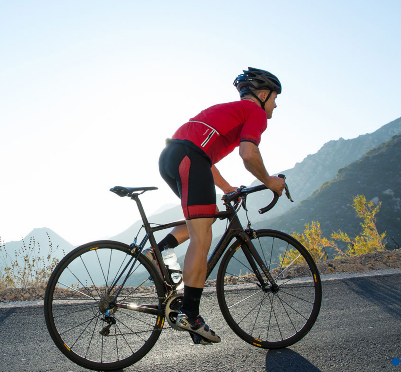 High quality bib shorts and jersey for all-day summer comfort