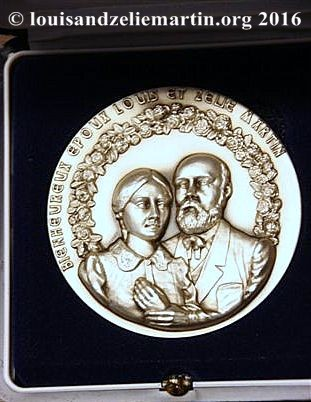 Souvenir medallion of Sts. Louis and Zelie Martin struck at the time of their beatification