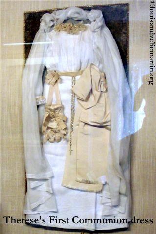 40first communion dress2.jpg