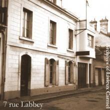 394334mid_maison-des-martin-ruelabbey.jpg