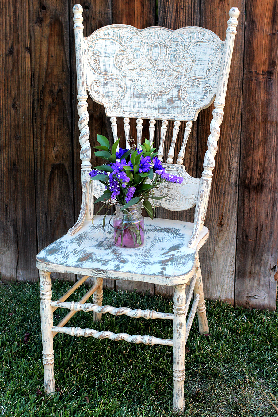 Farm-style carved wood chair w/ spindles