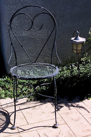 Metal Parlor Chair   RENT FOR $15    MORE DETAILS & PICS...