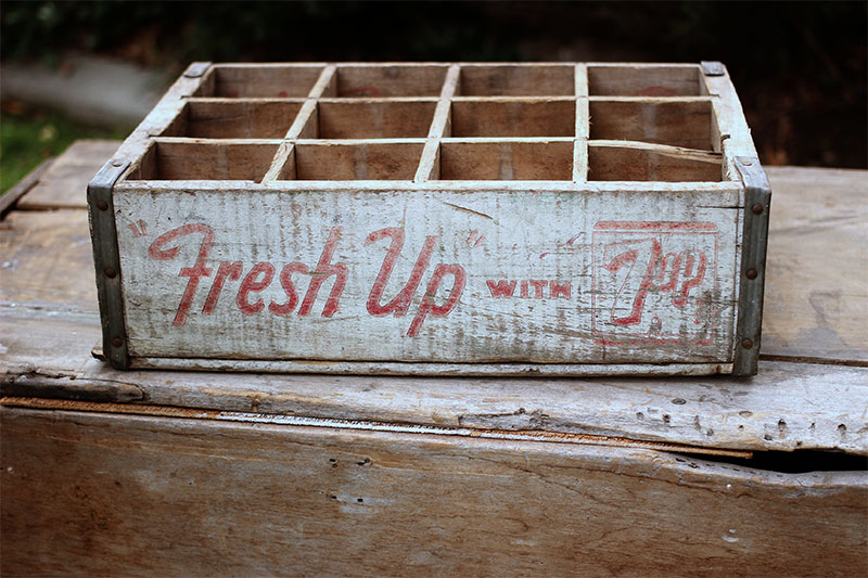 FRESH UP WITH 7UP W/12 DIVIDERS - $10