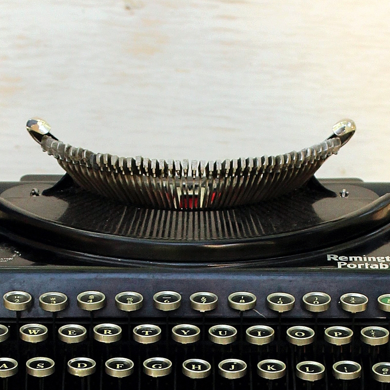 1925 REMINGTON PORTABLE # 2 TYPEWRITER