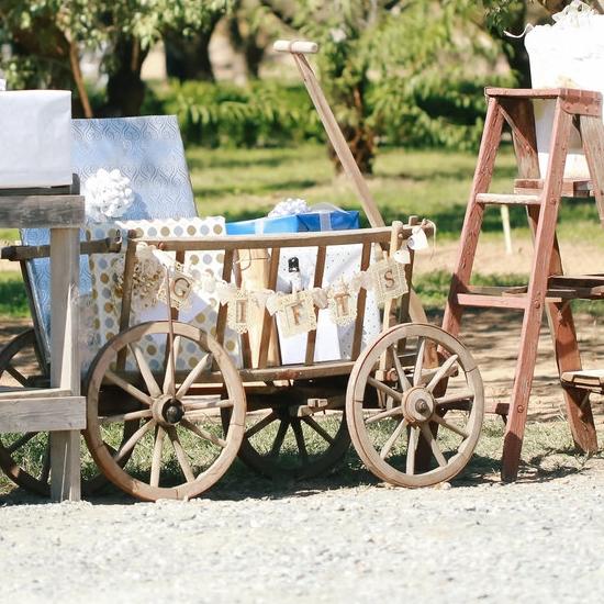 Vintage wedding gift table - Rustic