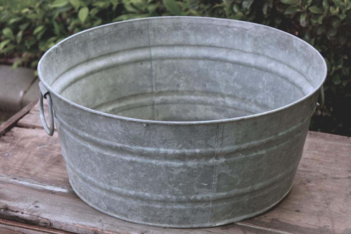 Tub -Medium - Galvanized.jpg