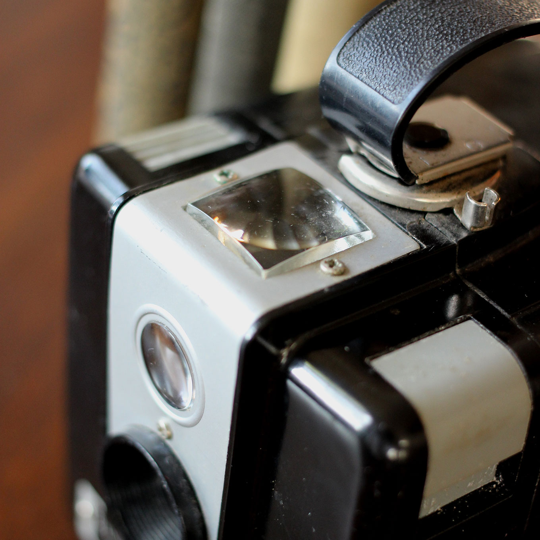 Kodak-Brownie-Hawkeye-Flash-(2)-1360x1360.jpg
